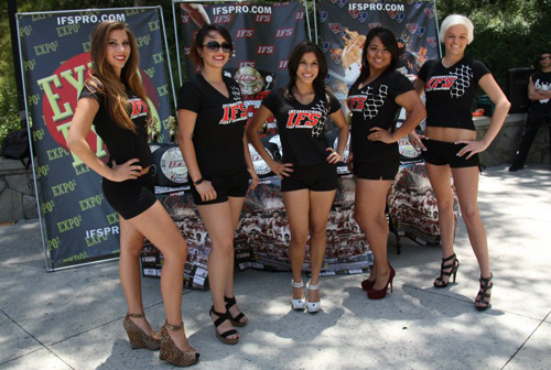 Group of ring girls wearing IFS t-shirts